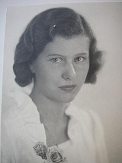 Elsa Maria Uppström (1921-2005) 1921-04-08--2005-08-10 (kvinna) - 352221